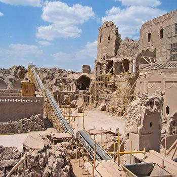 تحقیق بازسازی و اقدامات شهر بم پس از زلزله