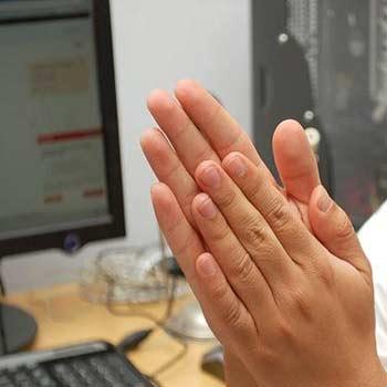 تحقیق پژوهش در زمینه ارتباط انسان و ماشین(HCI)