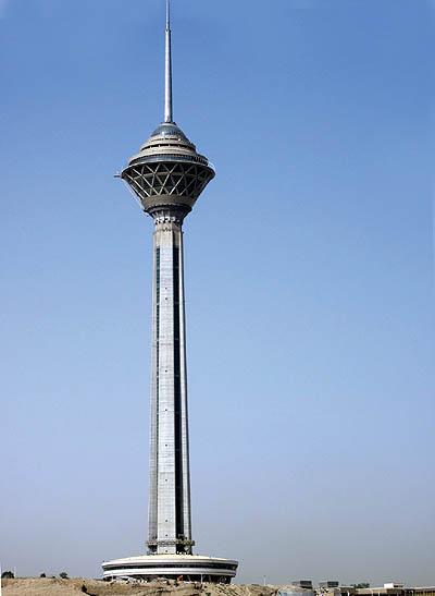 مدلسازی برج میلاد در پکیج آموزشی اتوکد و تری دی مکس