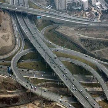 تحقیق بررسی نقش عوامل هندسی در رخداد تصادفات بزرگراه های درون شهری