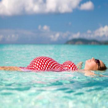 تحقیق فواید شنا بروروی زنان باردار