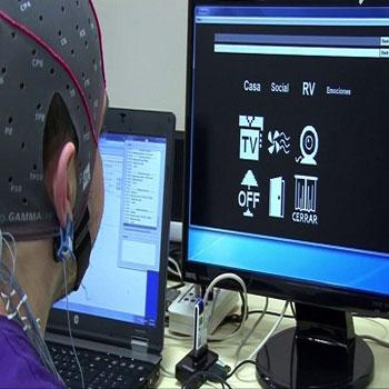 ترجمه همکاری موضعی و راه دور با واسطه های مجازی و روباتیک: یک مطالعه BCI P300 در سلامتی و افراد مبتلا به آسیب نخاعی