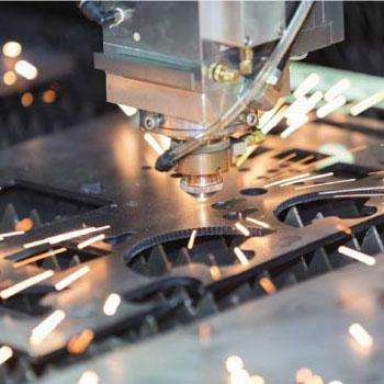 ترجمه بیشترین ضخامت ورقه برش برای برش لیزری با کمک اکسیژن از فولاد کم کربن