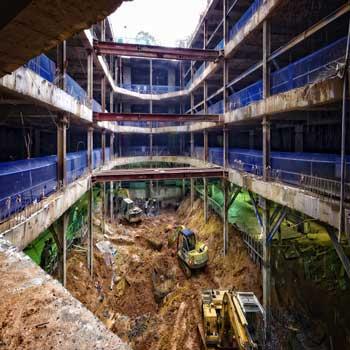 پاورپوینت روش ساخت از بالا به پایین (مطالعه موردی از احداث یک ساختمان تجاری در تهران)